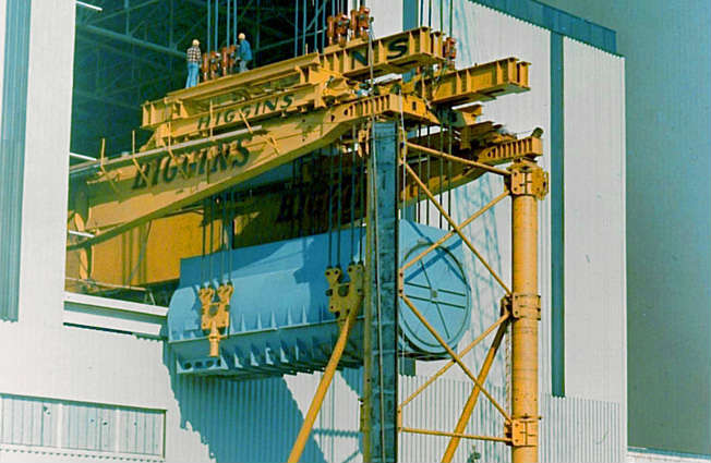 Heavy lifting equipment for installing steam power station