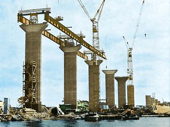 Lifting of Formwork, Bridge - Öland, Sweden - bygging uddemann