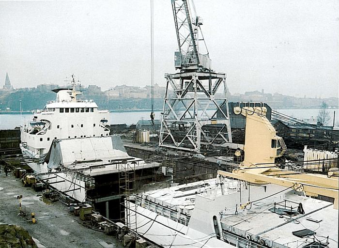 Boat Launching - Gothenburg, Sweden - bygging uddemann