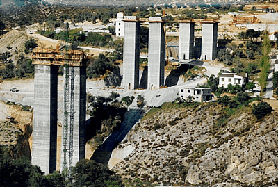 Bridge Pylons Granada - Baza, Spain - bygging uddemann