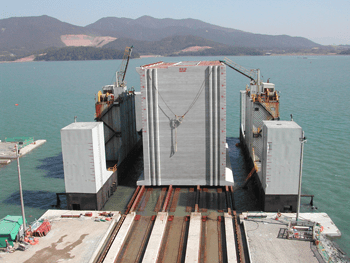 Transfer of Caissons - Kwangyang Sect. 3-2, Korea  - bygging uddemann