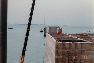 Transfer of Caissons - Pasir Panjang Sect. 1, Singapore - bygging uddemann