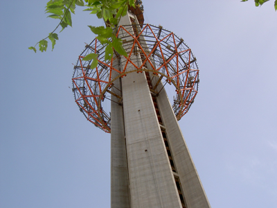 Lifting of Steel Structure - Teheran (Milad Tower) Iran - bygging uddemann